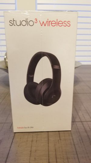 Beats by Dr. Dre studio 3 wireless bluetooth headphones for Sale in Suffolk, VA