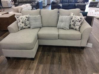 ABIGAIL REVERSIBLE CHAISE SECTIONAL SOFA WITH ACCENT PILLOWS for Sale in Richardson,  TX