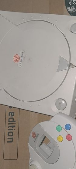 Dreamcast And Controller And Ncaa Football Lost Av Cable In Move for Sale in Puyallup,  WA
