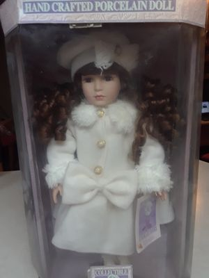 Antique Jennifer Porcelain Doll for Sale in Highland, CA