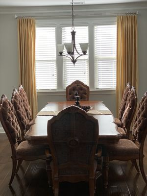 Eight (8) chair Dining Room table. for Sale in Cumming, GA