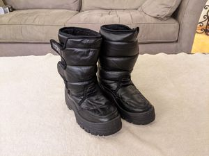 Youth Snowboots, WFS Black Snowjogger, size 4 for Sale in Playa del Rey, CA