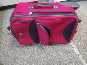 Suitcase for Sale in Benton, KY