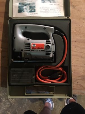 Black and Decker jig saw w/ extra blades for Sale in Dedham, MA