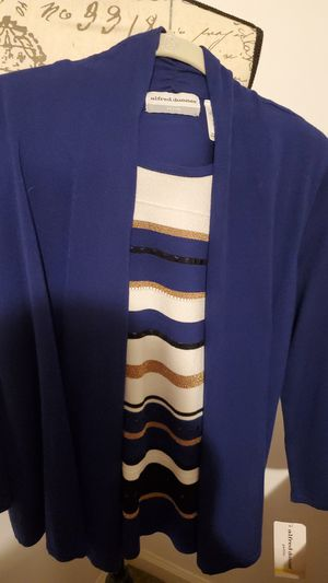 Ladies blue and gold trim 2 pc top. for Sale in FALLING WTRS, WV