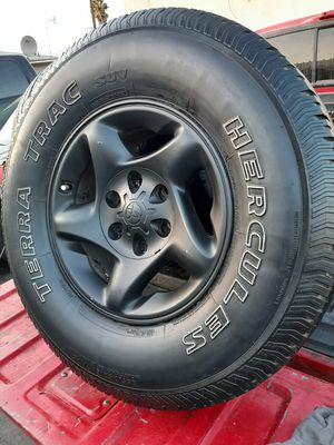 Juego de rrines para carros Toyota Chevro Nissan frontier for Sale in Montebello, CA