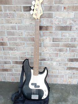Fender Squire P-Bass Guitar w/ Case & Amp Cord for Sale in O'Fallon,  MO