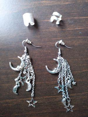 Cute silvertone earrings + BONUS!! for Sale in Wichita, KS