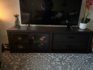 Tv console table for Sale in Kissimmee, FL