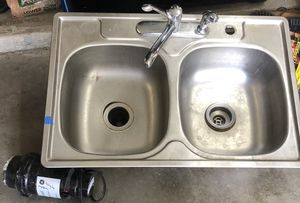 Moen double kitchen sink, faucet & garbage disposal for Sale in Mansfield, TX