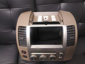 Radio face Nissan Pathfinder 2007 for Sale in Miami, FL
