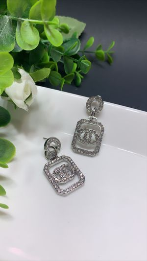 Acrylic Earrings For Women Statement Vintage Geometric Dangle Drop Earrings, Silver Color for Sale in Los Angeles, CA