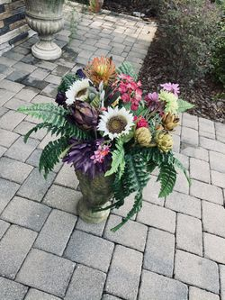 Vase With Flowers for Sale in Poinciana,  FL
