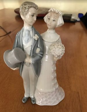 Authentic Lladro figurine- bride and groom for Sale in Phoenix, AZ