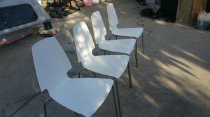 madera vuenas condisiones 4 sillas por 50 dolares for Sale in Baldwin Park, CA