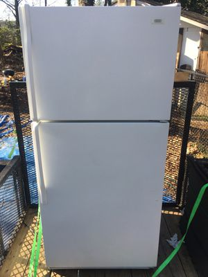 Whirpool Roper Refrigerator/Freezer w/Icemaker - Free Delivery for Sale in Smyrna, GA