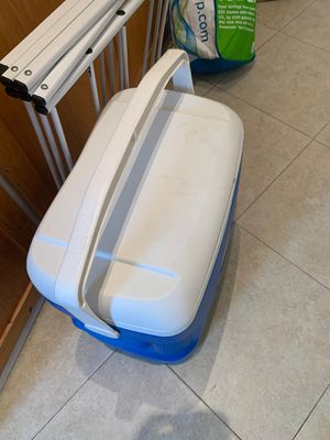 Camping cooler for Sale in Los Angeles, CA