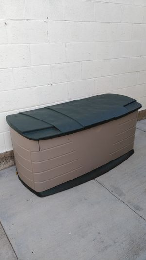 """Small Rubbermaid Storage Shed 55""""L x 26""""D x 25""""H for Sale in Gardena, CA"""