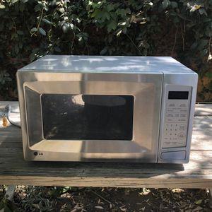 LG Microwave for Sale in Pasadena, CA
