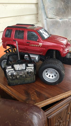 Jeep Liberty RC CAR WITH REMOTE for Sale in Cleveland, TN