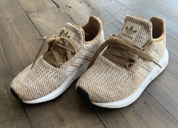 Toddlers' Adidas running shoes - tan - size US 10 C