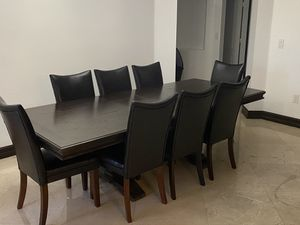 Dinning room table 9 piece set for Sale in Miami, FL