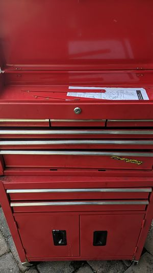 Used Tool box w/wheels for Sale in Kissimmee, FL