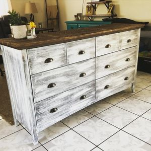 Beautiful Shabby Chic Dresser for Sale in Chino, CA
