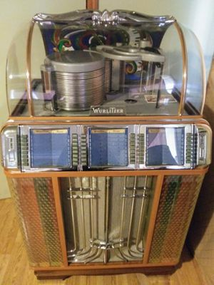 Jukebox wurlitzer 1400 for Sale