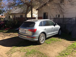 2011 Audi Q5 - Clean title for Sale in Los Angeles, CA