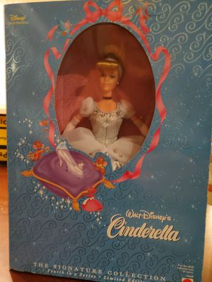 Walt Disney's Cinderella signature collection doll for Sale in Murfreesboro, TN