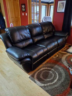 Electric Reclining Couch for Sale in Wabash, IN