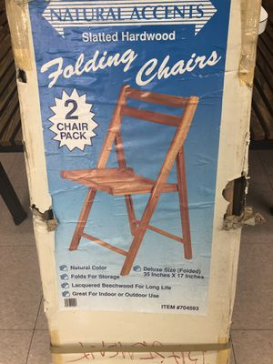 SET OF 12 FOLDED BEECHWOOD CHAIRS FOR OUTDOOR AND INDOOR IN GREAT CONDITION for Sale in Savage, MD