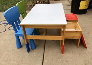 Youth arts and crafts table for Sale in Streamwood, IL