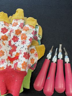 Carving Tools And Gloves For Linoleum Blocks For Printing for Sale in Portland,  OR