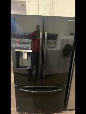 Samsung French door refrigerator for Sale in Lexington, NC