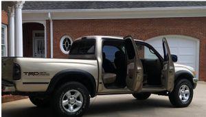 $1000 Perfectlyy2OO1 Toyota Tacoma AWDWheelsCleanTitle for Sale in Lexington, KY