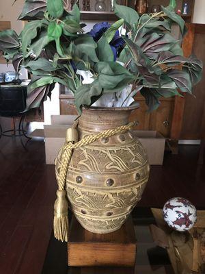 Gold flower pot for Sale in Surprise, AZ