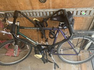 Trek ALUMINIUM Light weight with track rack for car for Sale in Orono, ME