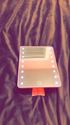 Makeup vanity mirror for Sale in Cleveland, OH