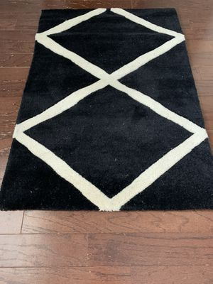 New- Black and white thick high pile rug for Sale in Easley, SC