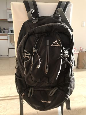 Backpack model sequoia 3000 - 45liters for Sale in Miami, FL