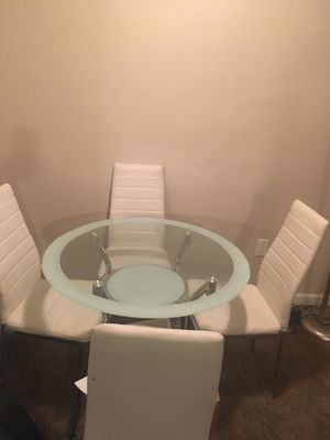 White Table With Chairs for Sale in Tampa, FL