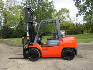 2011 Toyota Forklift for Sale in Lake Bluff, IL