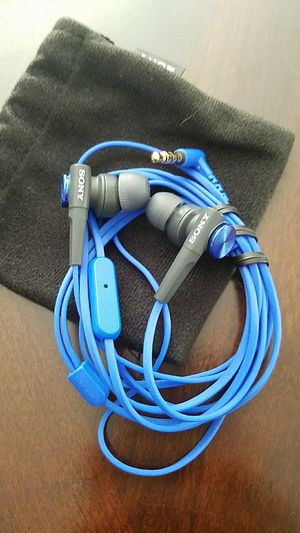Sony earbud / headphones for Sale in Tampa, FL