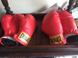 Boxing gloves for Sale in Orlando, FL