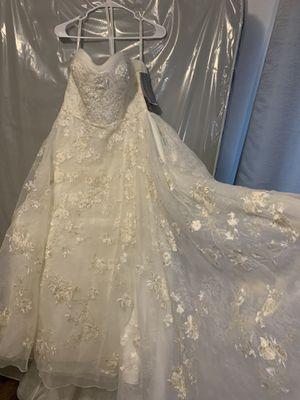 New wedding dress never worn for Sale in Norwalk, CA