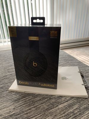 Beats Studio 3 wireless for Sale in Madison, WI