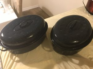 Roasting pans (2) for Sale in Houston, TX