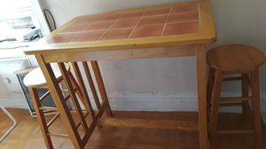 kitchen table and 2 stools for Sale in Brooklyn, NY